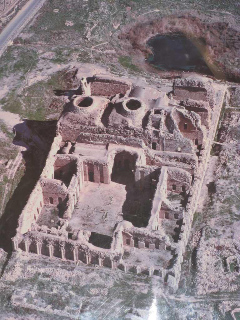 قلعه دختر فیروز آباد